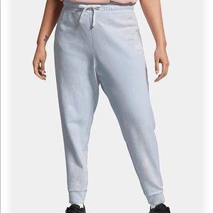 NWT Nike NSW sportswear pants